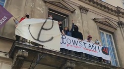 Nawet dziś nie odpuścili… Aktywiści LGBT chcieli zakłócić Marsz PW - miniaturka