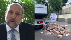 Gruz przed ambasadą Izraela. Protestuje naczelny rabin Polski - miniaturka