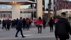 Polscy kibice zaatakowani w Tiranie. Gorąco przed meczem z Albanią  - miniaturka