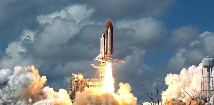 ,,Nie jest dobrze''. W Ziemię uderzą fragmenty ogromnej chińskiej rakiety kosmicznej - zdjęcie