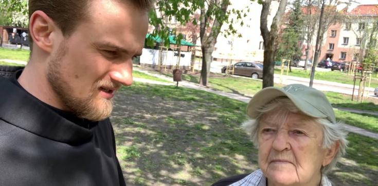 Ucałowała stopy aktywistce LGBT. Rozmowa ze ,,staruszką'', która skruszyła serca Polaków  - zdjęcie