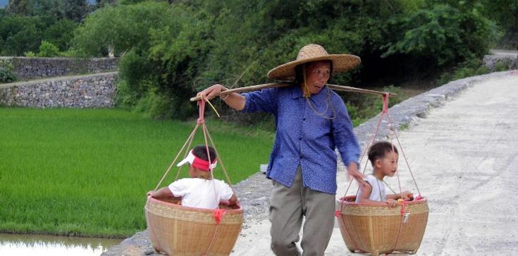 Rewolucja w Chinach. Władze dają zielone światło na trzecie dziecko - zdjęcie