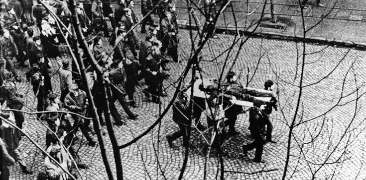 Grudzień'70. 50 lat temu rozpoczęły się strajki robotników  - zdjęcie