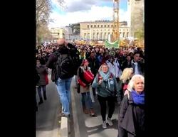 Demonstracje koronasceptyków w Berlinie. Starcia z policją - miniaturka