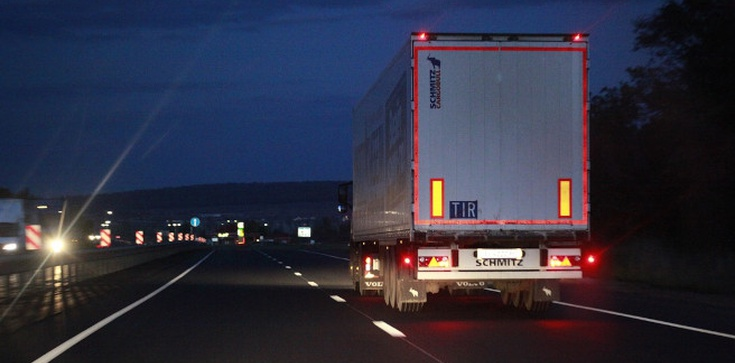 Jest porozumienie Wlk. Brytanii i Francji. Uwięzieni kierowcy ruszą w drogę - zdjęcie