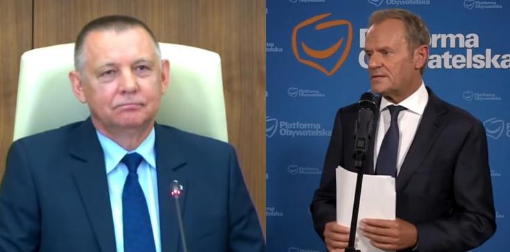 Tusk obiecuje Banasiowi ochronę. ,,Potraktujemy go jak świadka koronnego'' - zdjęcie