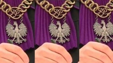 Kasta basta: Płocki sąd uniewinia profanatorki. Matka Boża z tęczową aureolą ,,nie obraża uczuć'' - miniaturka