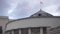 Sejm. Ustawa covidova przegłosowana. Najważniejsze zmiany - miniaturka