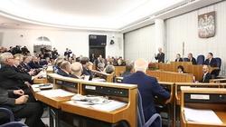Senat: Ustawy sądowe przyjęte bez poprawek - miniaturka