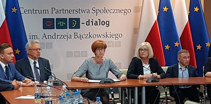 Jest porozumienie rządu z częścią organizacji, które działają na rzecz niepełnosprawnych - zdjęcie