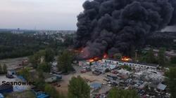 Potężny pożar w Sosnowcu. Słychać wybuchy  - miniaturka