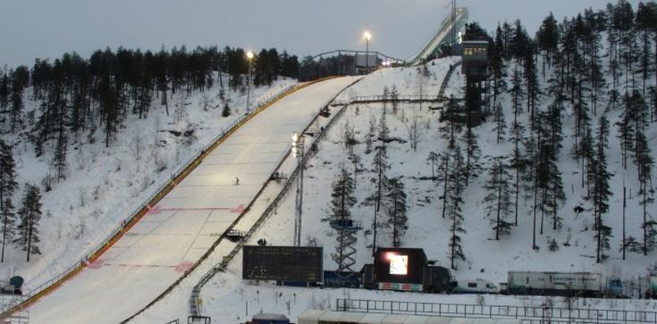 Znakomity występ Polaków w wietrznym Kuusamo - zdjęcie