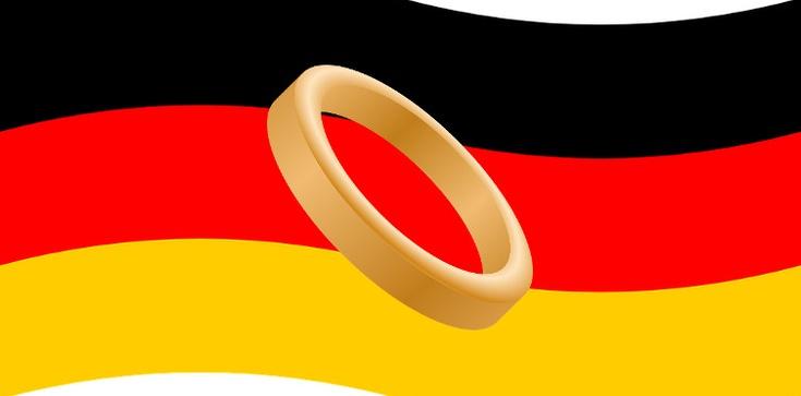 W Niemczech rejestrują małżeństwa z nieletnimi Polkami - zdjęcie