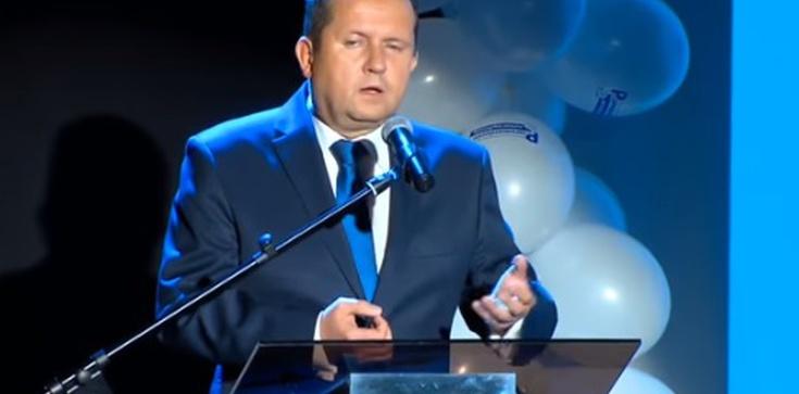Miał ją ,,obłapiać''. Smogorzewski doniósł na kobietę do prokuratury! - zdjęcie