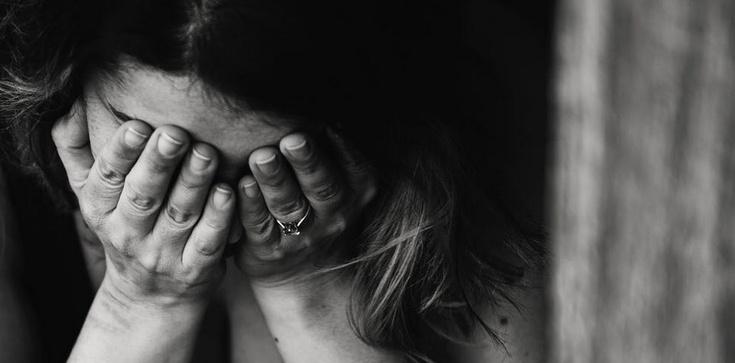 Pornograficzny gigant niszczy życie kobiet - zdjęcie