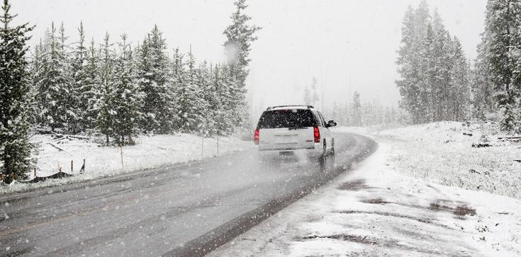 UWAGA!!! Burza śnieżna nad Polską. ,,Spektakularne i niezwykle rzadkie'' - zdjęcie