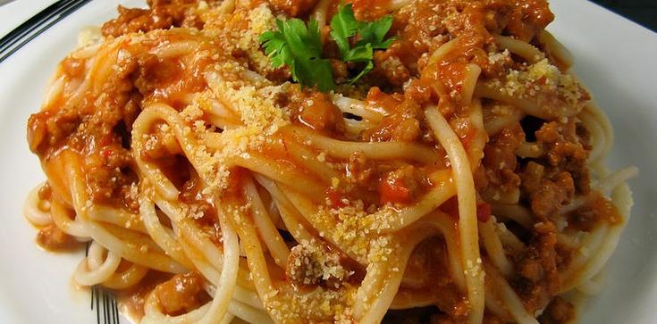 Spaghetti bolognese - klasycznie doskonały przepis - zdjęcie