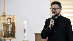 Ks. Piotr Spyra: Słuchaj Jezusa, nie ,,szczekania'' szatana!  - miniaturka