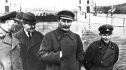 'Mordy czerwone od wódki' sowieckich dyplomatów - miniaturka