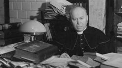 Został zamordowany przez Niemców. Dziś lewica oskarża kapłana o współpracę z... Niemcami - miniaturka