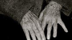 Starość nie radość. W 2025 w Polsce starszych ludzi będzie więcej niż młodych - miniaturka