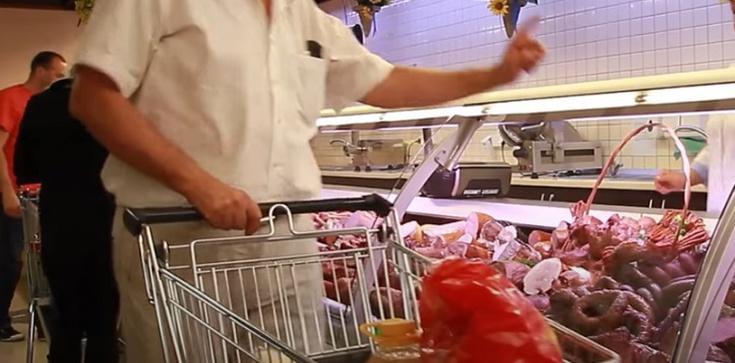 Turek, wielkopolskie - napad i pobicie za brak maseczki w sklepie - zdjęcie