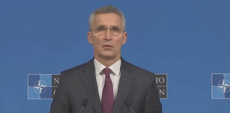 Szef NATO wzywa Rosję do nieingerowania na Białorusi - zdjęcie