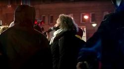 Lempart opluła policjanta na służbie. Będzie zawiadomienie do prokuratury [Wideo] - miniaturka
