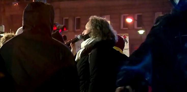 Lempart opluła policjanta na służbie. Będzie zawiadomienie do prokuratury [Wideo] - zdjęcie