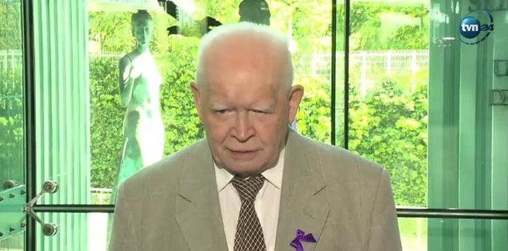 Kuriozalny apel prof. Adama Strzembosza, który straszy ... stanem wojennym! - zdjęcie