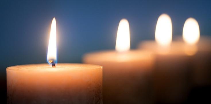 """""""Kochali kwiaty, krzewy, drzewa"""" – mówił ksiądz na pogrzebie tragicznie zmarłych: ojca i trójki dzieci - zdjęcie"""