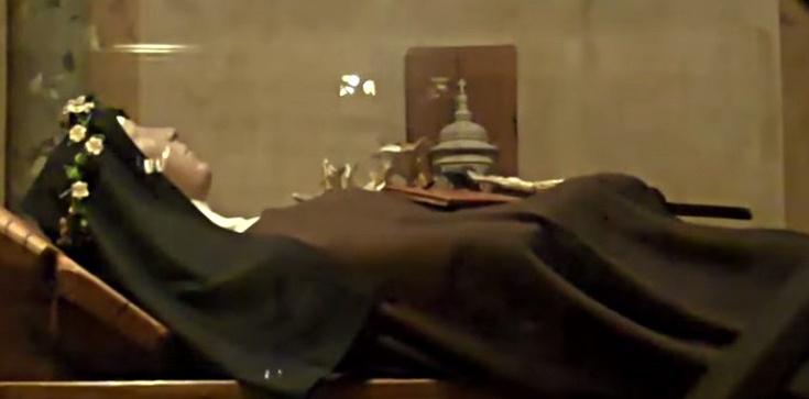 Od ponad 760 lat ciało św. Klary nie ulega rozkładowi! - zdjęcie
