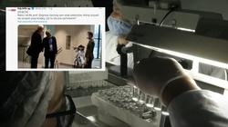 Szok. Zdjęcie jak rektor WUM w ukłonach witał celebrytów do szczepień? - miniaturka
