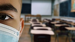 Rzecznik MZ: Nie ma szans na powrót starszych dzieci do szkół - miniaturka