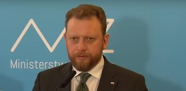 Minister Szumowski: Nie ukrywajmy choroby. Nie idźmy na izbę przyjęć ale do szpitala na oddział zakaźny. Nie zarażajmy personelu medycznego - zdjęcie