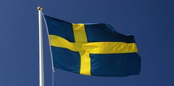 Szwecja zwariowała. Świąteczna ozdoba - kościół bez krzyża - zdjęcie