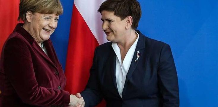 """Niemiecki rząd informuje media, jak pisać o Polsce? """"Dziki Wschód"""", """"putinowski model władzy"""" - zdjęcie"""