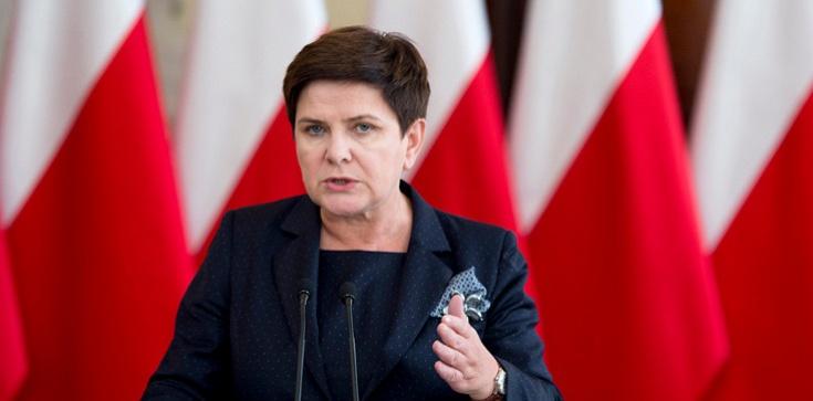 Premier Szydło KONKRETNIE: Kto zapłacił za wystąpienie Jażdżewskiego?  - zdjęcie