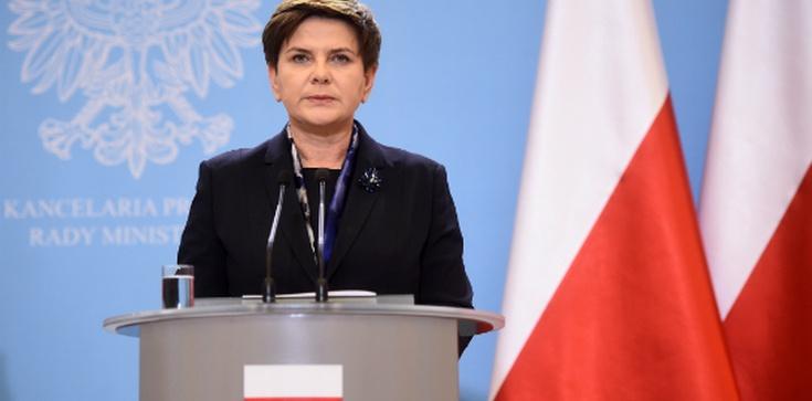 Beata Szydło ostro do opozycji: stajecie po stronie zdrajców i ludzi bez honoru  - zdjęcie