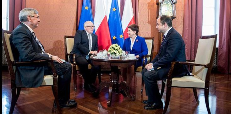 Szydło: Zgodziliśmy się, że Polska musi rozwiązać spór sama! - zdjęcie