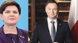 CBOS: Polacy ufają prezydentowi i premier - miniaturka