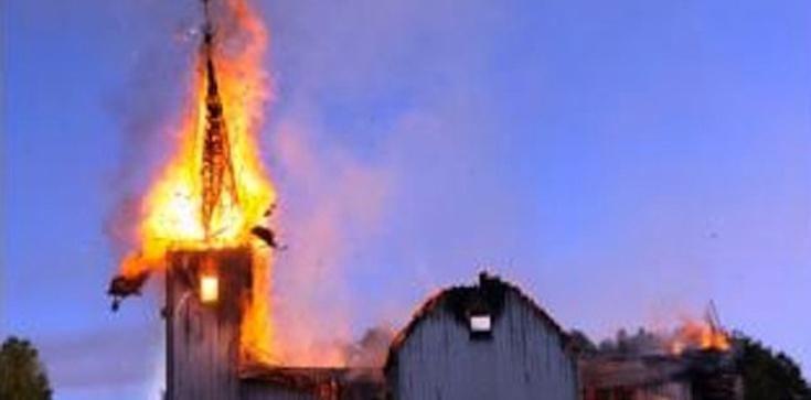 Problemy chrześcijan w Nigerii, płoną kościoły - zdjęcie