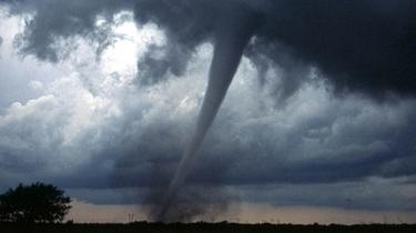 IMGW ostrzega: dzisiaj możliwe burze, grad, nawet trąby powietrzne - miniaturka