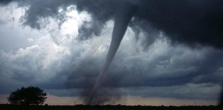 Potężne ulewy i burze. RCB wysyła alerty - zdjęcie