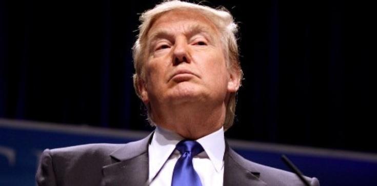 Trump wyśmiał pogłoski o układach z Kremlem - zdjęcie