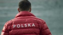 Polscy sportowcy zachęcają: Wywieśmy flagę! Małysz: Jak idzie flaga w górę to każdy się rozkleja - miniaturka