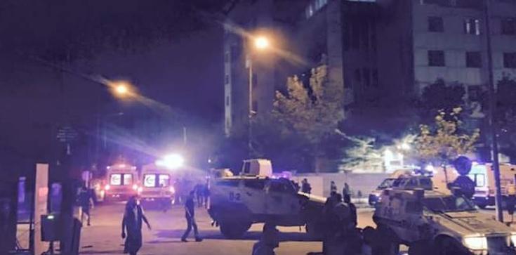 Eksplozja samochodu pułapki w Turcji - zdjęcie