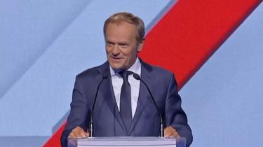 Tusk wyrusza w trasę, aby rozmawiać z Polakami o… Polskim Ładzie - miniaturka