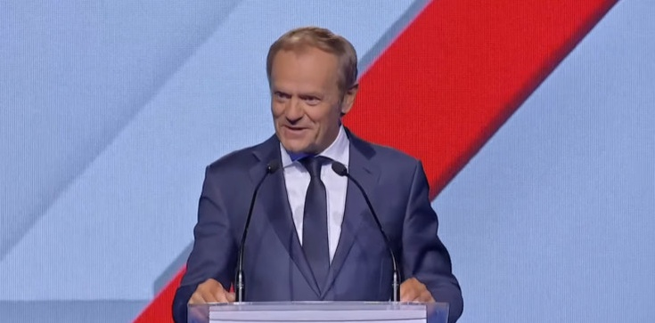Tusk wyrusza w trasę, aby rozmawiać z Polakami o… Polskim Ładzie - zdjęcie