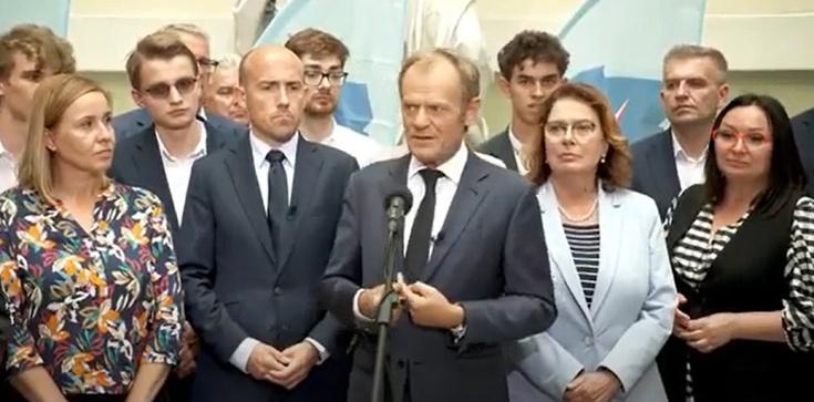 Donald Tusk: ,,Proszę o zrozumienie i wybaczenie pana Ziobry i jego małżonki'' - zdjęcie